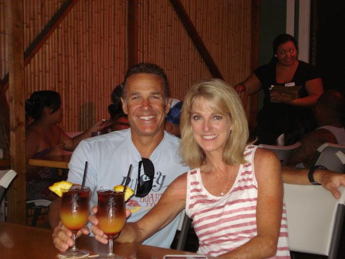 """Kira with husband in Hawaii"""